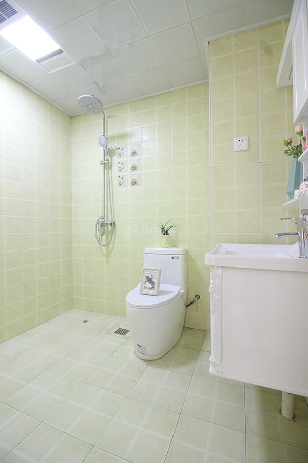 厕所 家居 设计 卫生间 卫生间装修 装修 600_900 竖版 竖屏